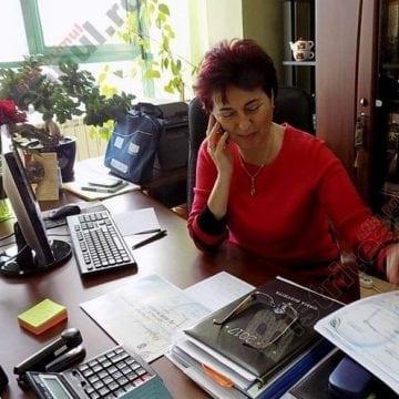 Profesorilor nu le-au scăzut salariile, susține șeful ISJ, Camelia Tabără