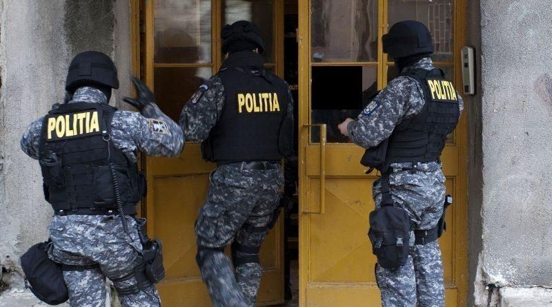 Și polițiștii merg în cluburile de noapte de pe Bârgău!