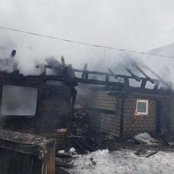 FOTO – PARVA: Incendiu devastator
