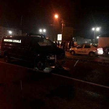 FOTO/VIDEO: Mașina de Medicină Legală ce mergea spre Coldău, implicată într-un accident