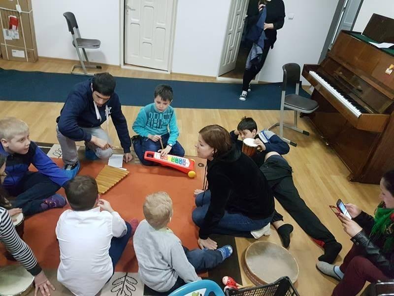 Gafa primului ministru ar putea schimba situația copiilor cu autism. Ana Dragu, față în față cu Viorica Dăncilă