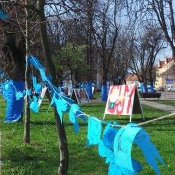 Orașul nu se va colora în albastru, anul acesta. Se renunță și la Neurolimpics
