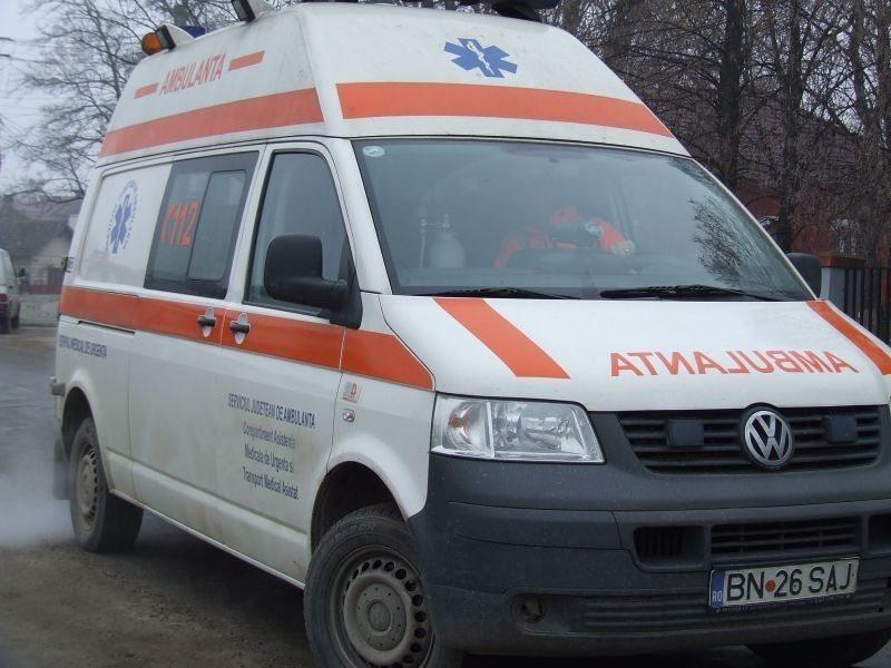 VIDEO: Un bunic de 72 de ani a lovit în plin o Ambulanță ce transporta un suspect de COVID 19