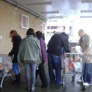 BISTRIȚA: Jandarmii au surprins un italian care încerca să fure dintr-un hipermarket