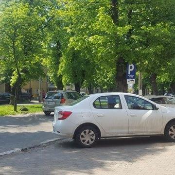 Atenție, șoferi: Parcare cu plată și pe Bulevardul Republicii!