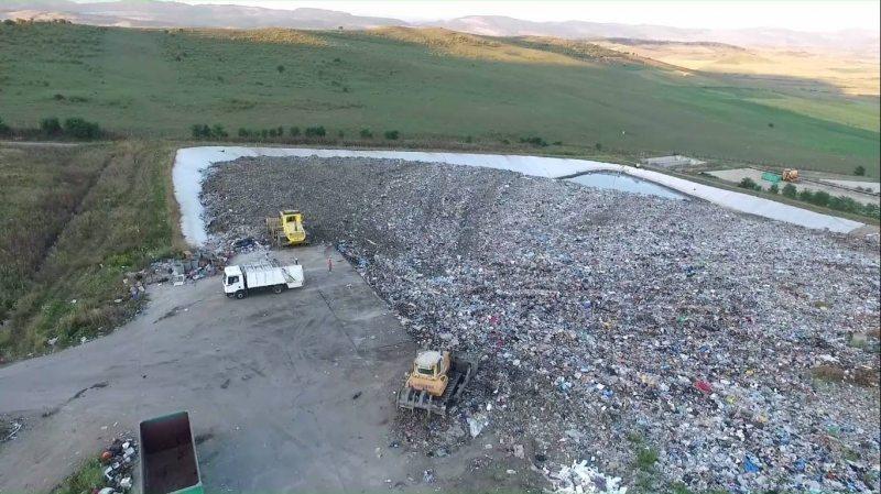 VIDEO: Vor să transforme pădurea din Dumitra în groapă de gunoi!