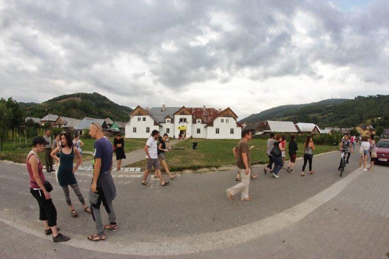 Ce înseamnă munca de zilier în România de astăzi…? Aflați pe 1 Mai, la Telciu