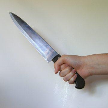 I-a cerut unei tinere de 18 ani să întrețină relații sexuale, sub amenințarea cuțitului. Cum s-a terminat totul: