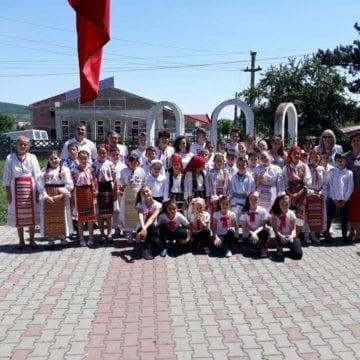 FOTO:  Momente emoționante pentru învățătorii de pe Valea Țibleșului