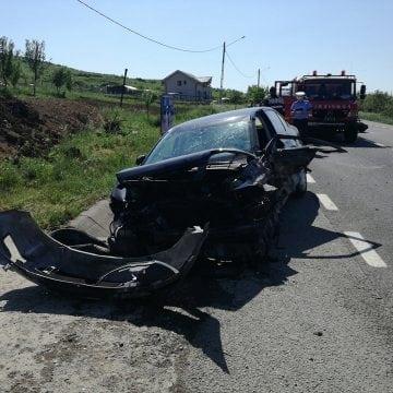 FOTO/VIDEO – Accident în Crainimăt: Totul a pornit de la o explozie de cauciuc!