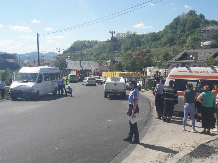 FOTO/VIDEO: Accident cu zece persoane implicate – la Rebrișoara!