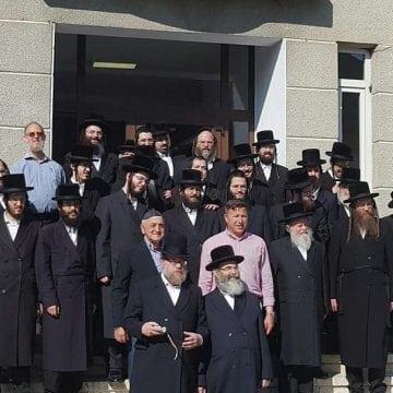 FOTO/VIDEO:  Zeci de evrei, în vizită la Sîngeorz-Băi! Candidează la primărie…?!