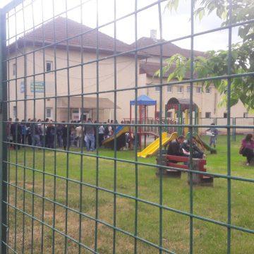 ANALIZĂ: Primăria Bistrița își închipuie că doar 80 de copii nu au loc în creșele de stat