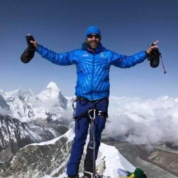 """Tibi Ușeriu a început cursa nemiloasă de pe Everest: """"Și să te apleci necesită un efort considerabil"""""""