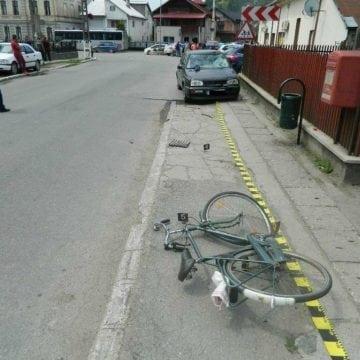 RODNA: Un minor, aflat la volanul unei mașini, a rănit un biciclist