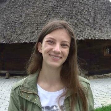 """FOTO/VIDEO – Ștefania Bodescu, frumoasă ca zâna din basm, confirmă. """"În viață esențială rămâne căutarea…"""""""