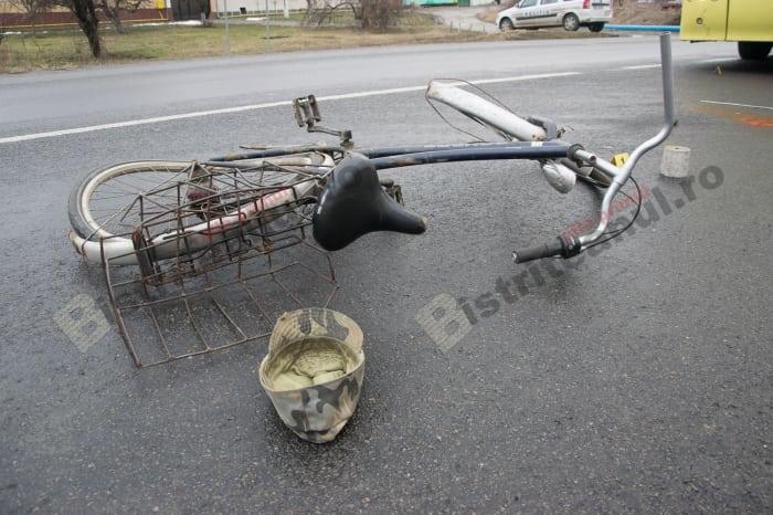 Biciclist accidentat grav, lângă Teraplast