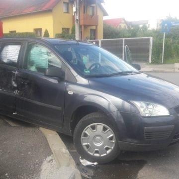 FOTO: Un tirist din Bulgaria a făcut praf mașina unei bistrițence