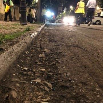 FOTO/VIDEO: Cum se asfaltează, pe timp de noapte, la Bistrița