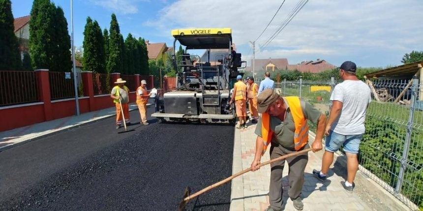 FOTO: Primăria Bistrița: Vom asfalta 10 străzi, de pământ, pe an! Care se asfaltează în 2018