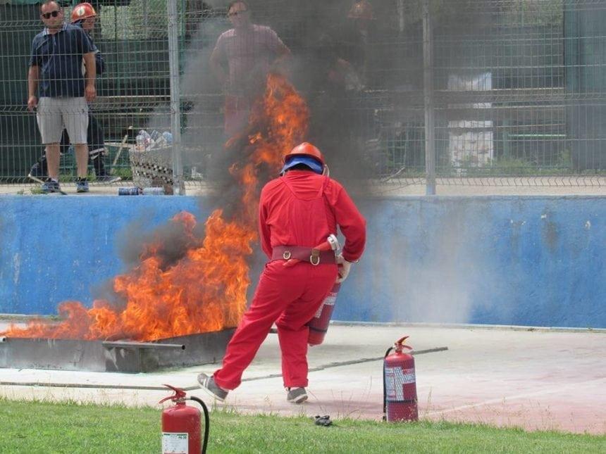 FOTO: Momente de foc, într-un concurs incendiar, pe stadionul din Bistrița