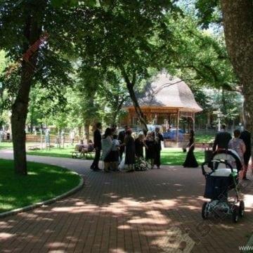 BISTRIȚA: Ziua Internațională Yoga, pe 21 iunie, în Parcul Municipal!