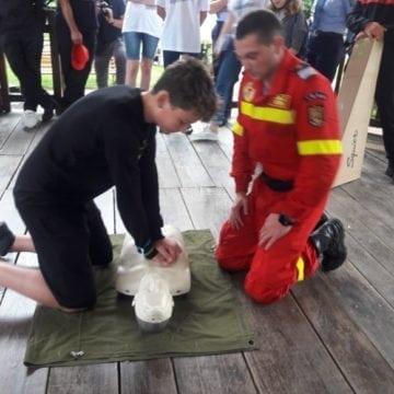 FOTO/VIDEO: N-ai fost ieri în Parc să vezi lecția despre prim ajutor? O poți vedea aici: