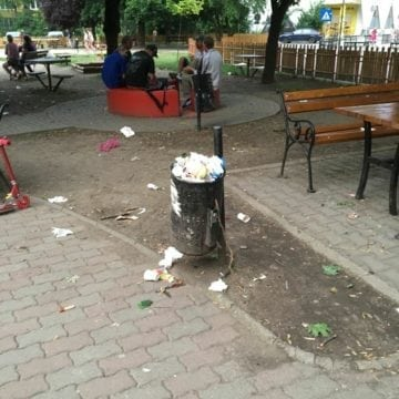 FOTO: Probabil cel mai mizerabil loc de joacă pentru copii, din oraș!