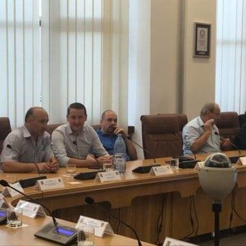 Discuții aprinse azi, la CJ, pe tema cerințelor pentru funcția de bibliotecar