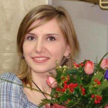Are 32 de ani, e frumoasă foc și a venit la Spital să ne vindece inimile