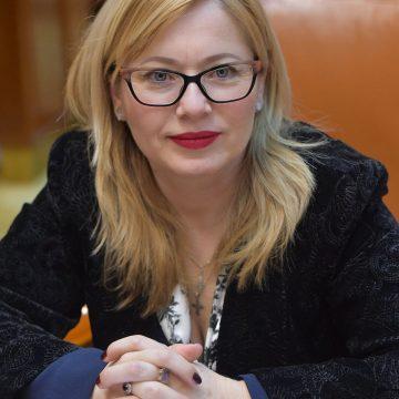 Deputatul Cristina Iurișniți (USR), chemată în judecată de un fost ministru!