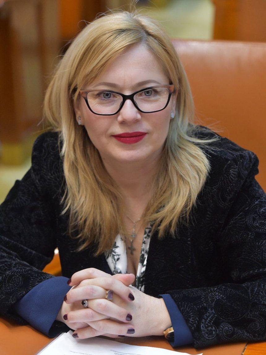 Cristina Iurișniți (USR): O investiție fundamentală în educația generațiilor viitoare! Educația nu are culoare politică