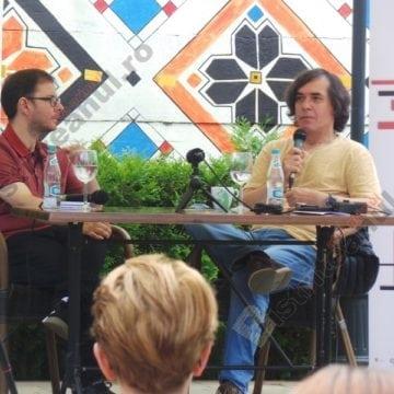 FOTO/VIDEO.  Mircea Cărtărescu, la Rapsodia, despre cât de norocoși sunt bistrițenii… Spectacolul unei minți libere. Grația universală…