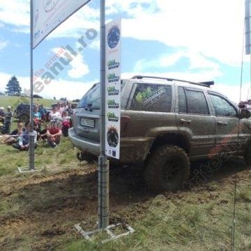 FOTO/VIDEO:  Motoarele, turate la maximum! Un VIP printre concurenții concursului offroad la Festivalul Usturoiului