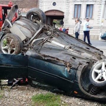 FOTO: Accident cu victimă încarcerată în Livezile!
