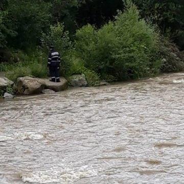 FOTO/VIDEO – Pensionarul dispărut la Coșbuc s-ar fi cinstit bine la o nuntă și la o înmormântare. Acesta este căutat în continuare
