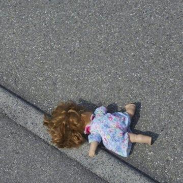 REBRA: Fetiță de 3 anișori, lovită de mașină