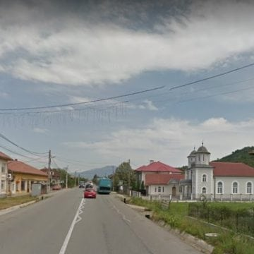 Valea Bârgăului: Utilaj de câteva tone – tras pe dreapta, din cauza unui tânăr