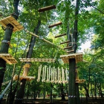 Primăria Bistrița stabilește taxe pentru parcuri de aventură inexistente