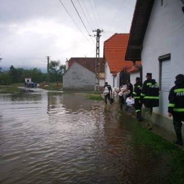 FOTO: Se-ntorc bucuroși acasă, după ce au dat o mână de ajutor la Sibiu