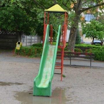 Spațiile de joacă din oraș – un pericol pentru copii?