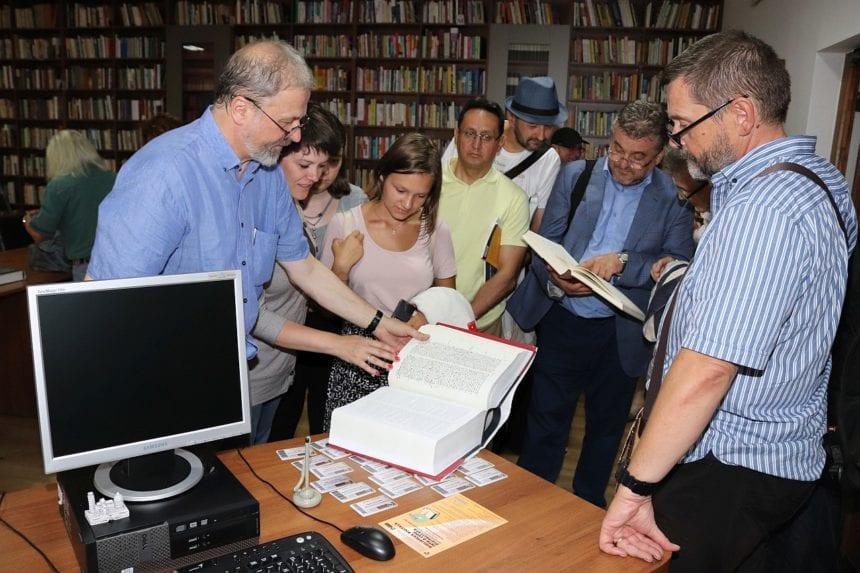"""Oaspeți de seamă din Anglia, Bolivia, Chile, Italia, Spania, Suedia și România, la Biblioteca """"George Coșbuc"""""""