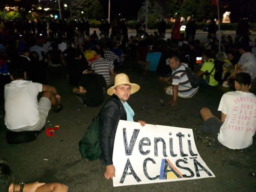 Rostul de dimineață:  Violență fără margini, la București. Printre protestatari – câțiva tineri de pe Ilve și un profesor din Bistrița…