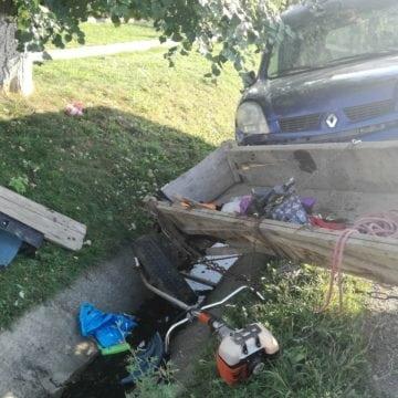 FOTO/VIDEO: O căruță a fost spulberată de o mașină, în Dipșa. În atelaj era și un bebeluș