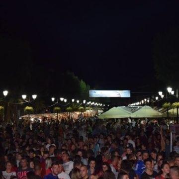 VIDEO:  Bistrițenii – în stradă, la concertul cu Lidia Buble! Nu ratați AZI, la Târgul Mare al Bistriței