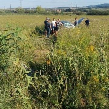 FOTO – Accident la intrare în Beclean! Trei femei, printre care și una gravidă și un copil au ajuns la spital
