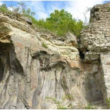 Ruina unei cetăți din secolul XIII, sărbătorită cu fast, pentru prima dată, de giurgeșteni