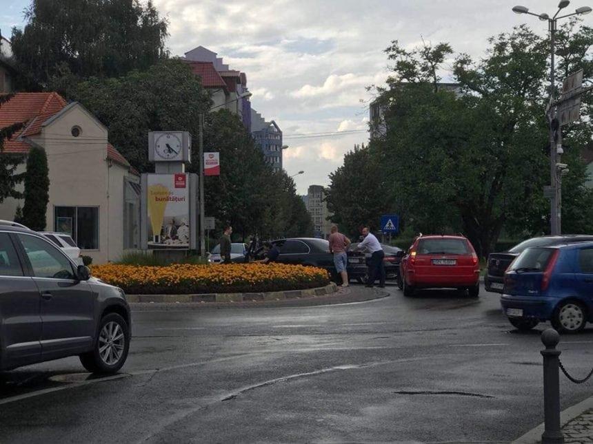 WONDERLAND: Vrednic este! Altcumva vezi viața când îți împinge deputatul mașina în intersecție…