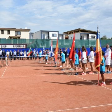 FOTO/VIDEO – Simona Halep, căutată la Bistrița. Sportive din 8 țări se întrec în Ținutul Contelui Dracula