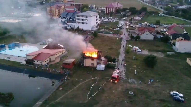 Salvator și în vacanță! Un pompier din Bistrița a ajutat la stingerea unui incendiu la o casă de vacanță din Tâșnad